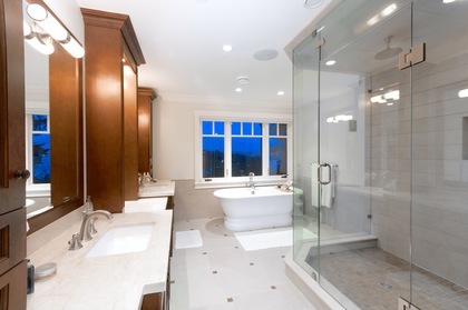 master ensuite at 460 Westholme Road, West Bay, West Vancouver