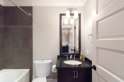 bathroom at 460 Westholme Road, West Bay, West Vancouver
