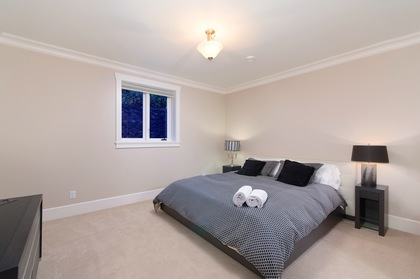bedroom at 460 Westholme Road, West Bay, West Vancouver