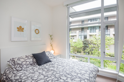 18 at 202 - 160 Athletes Way, False Creek, Vancouver West