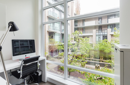 20 at 202 - 160 Athletes Way, False Creek, Vancouver West