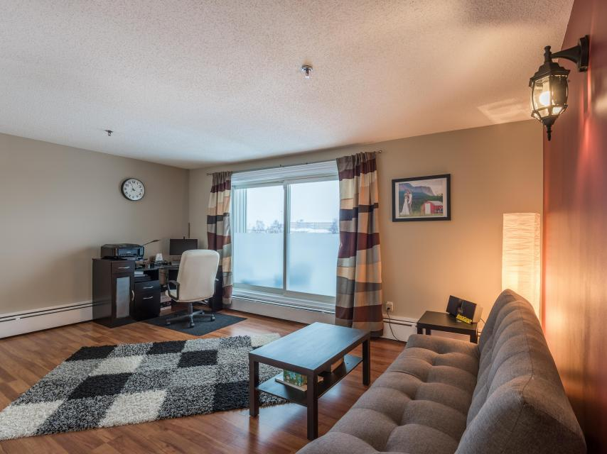 208 - 5600 52nd Avenue, Downtown, Yellowknife