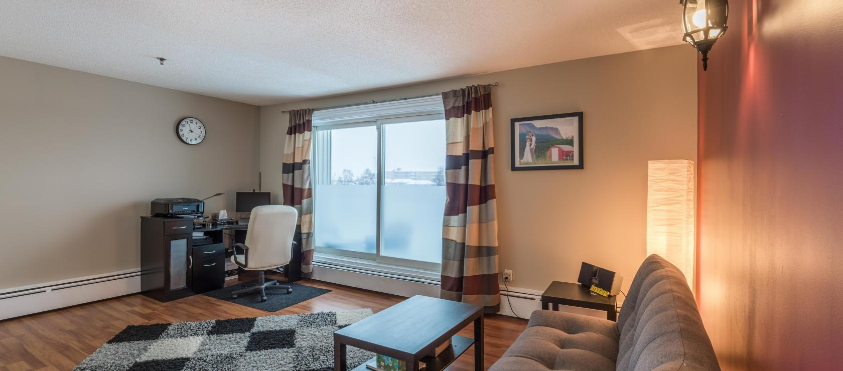 208 - 5600 52nd Avenue, Downtown, Yellowknife 2