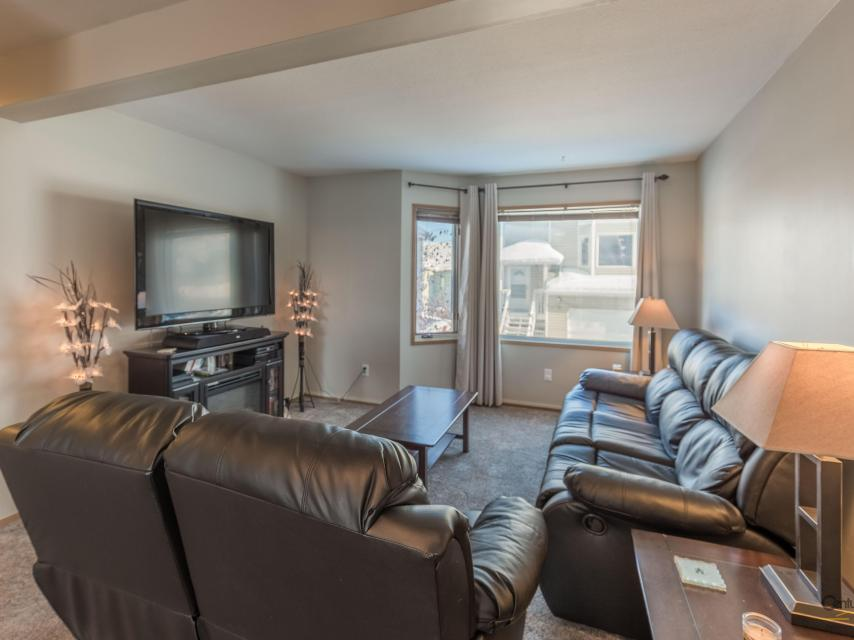 68 Gold City Court, Frame Lake, Yellowknife
