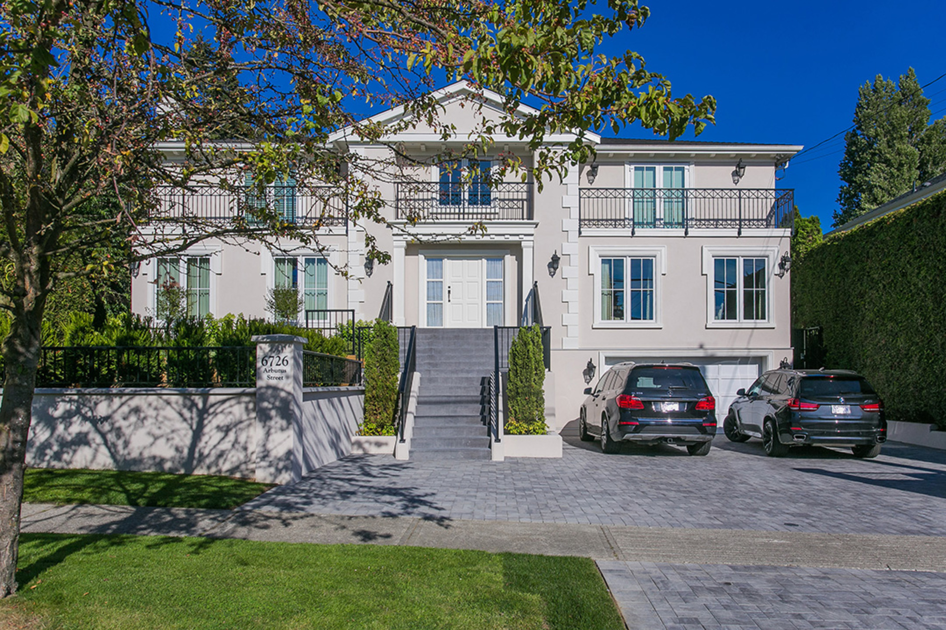 New stucco work at 6726 Arbutus Street, Southlands, Vancouver West