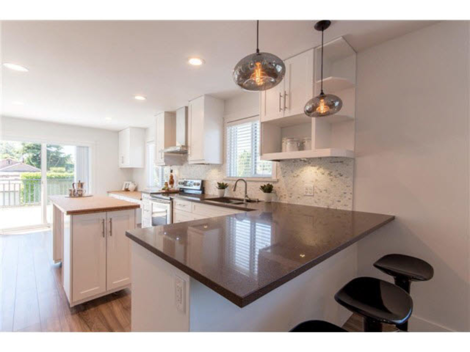 261808945-2 at 1290 E 43rd Avenue, Knight, Vancouver East