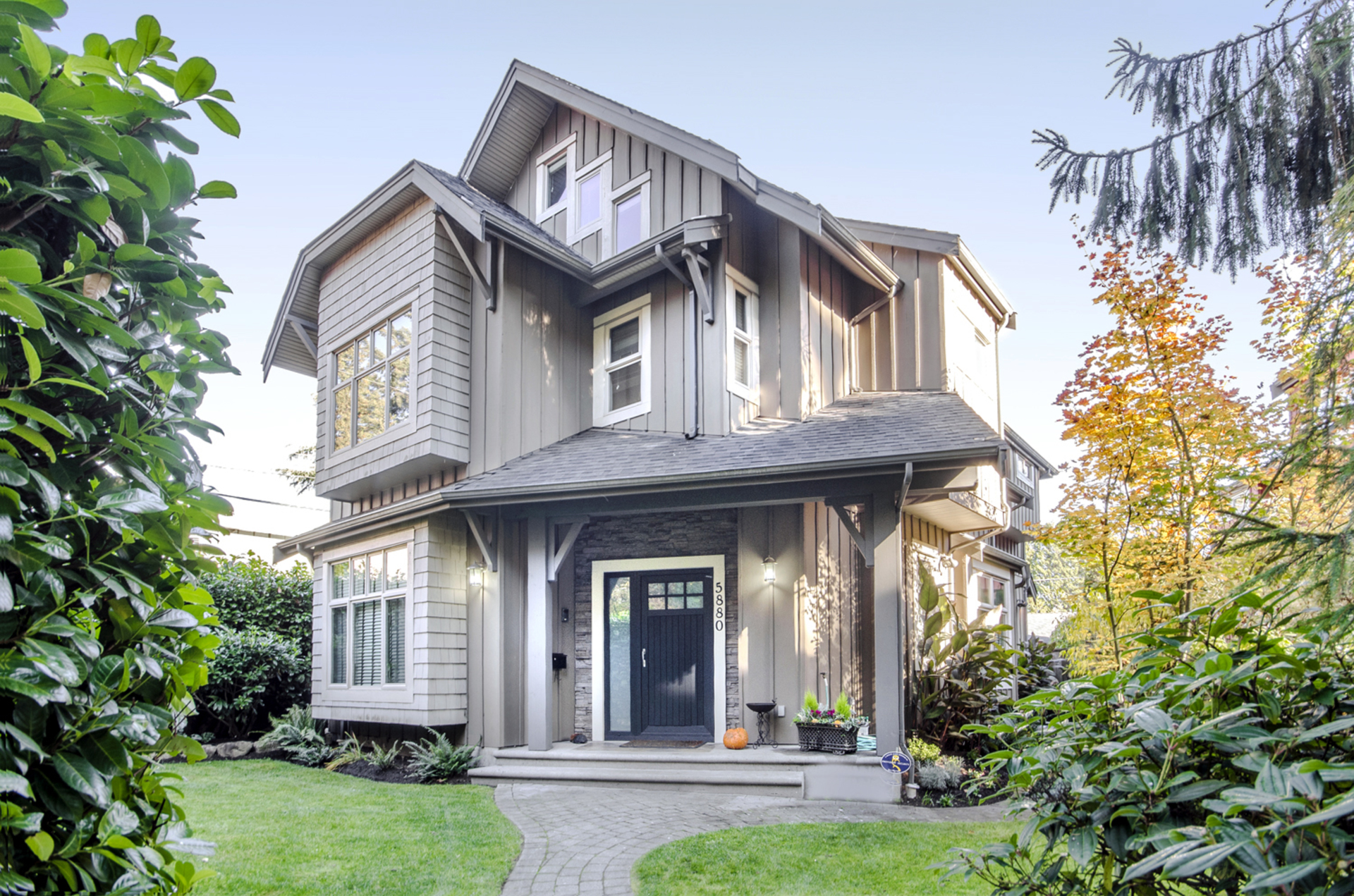 web-1 at 5880 Crown Street, Southlands, Vancouver West