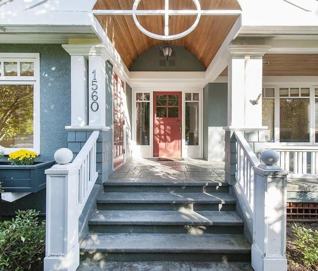 1560 19th Street, Ambleside, West Vancouver 2