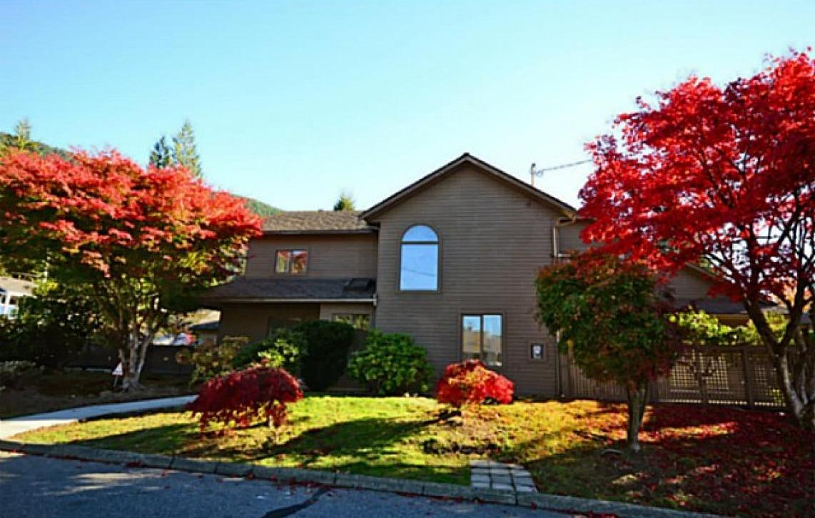 4880 Shirley Avenue, Canyon Heights NV, North Vancouver