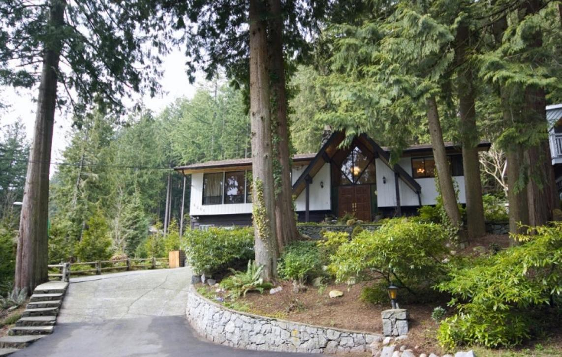 4601 Mountain Highway, Lynn Valley, North Vancouver