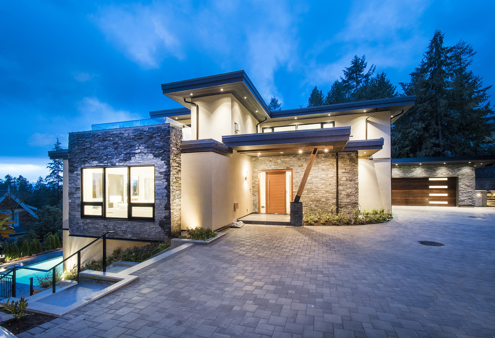 001 at 1677 29th Street, Altamont, West Vancouver