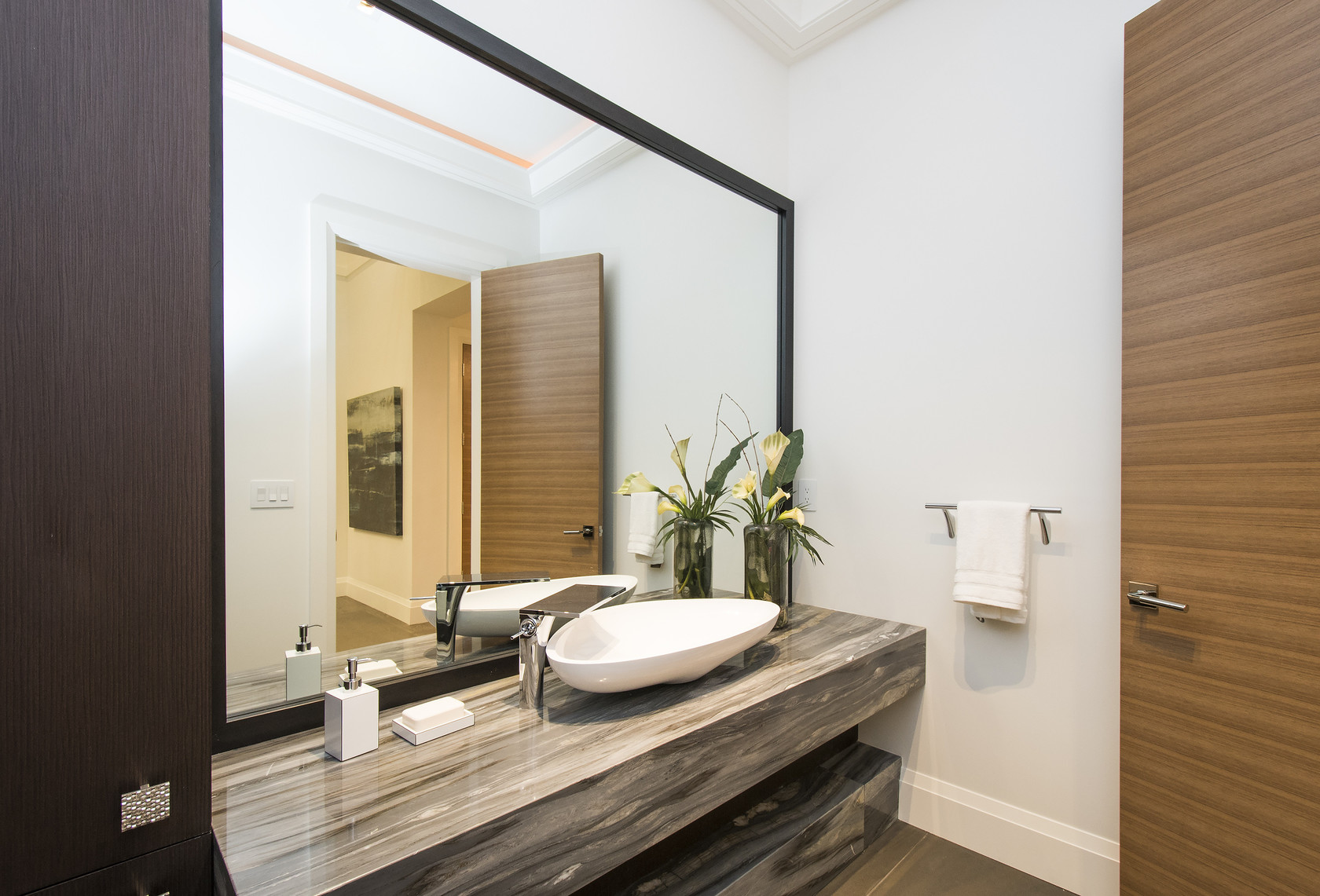 004 at 1677 29th Street, Altamont, West Vancouver