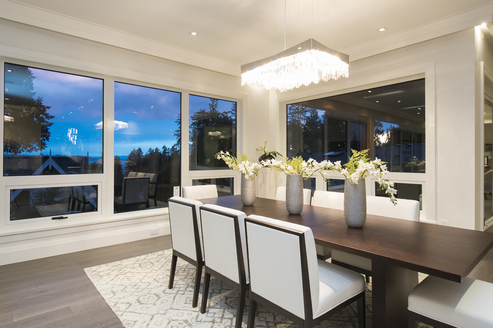 010 at 1677 29th Street, Altamont, West Vancouver