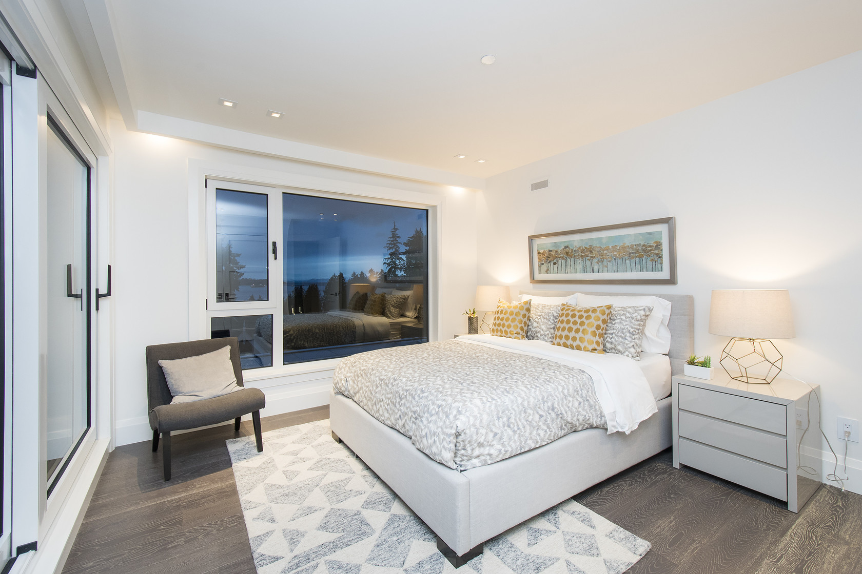 034 at 1677 29th Street, Altamont, West Vancouver