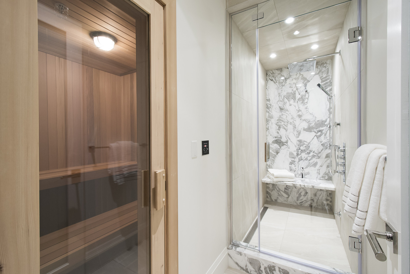 040 at 1677 29th Street, Altamont, West Vancouver