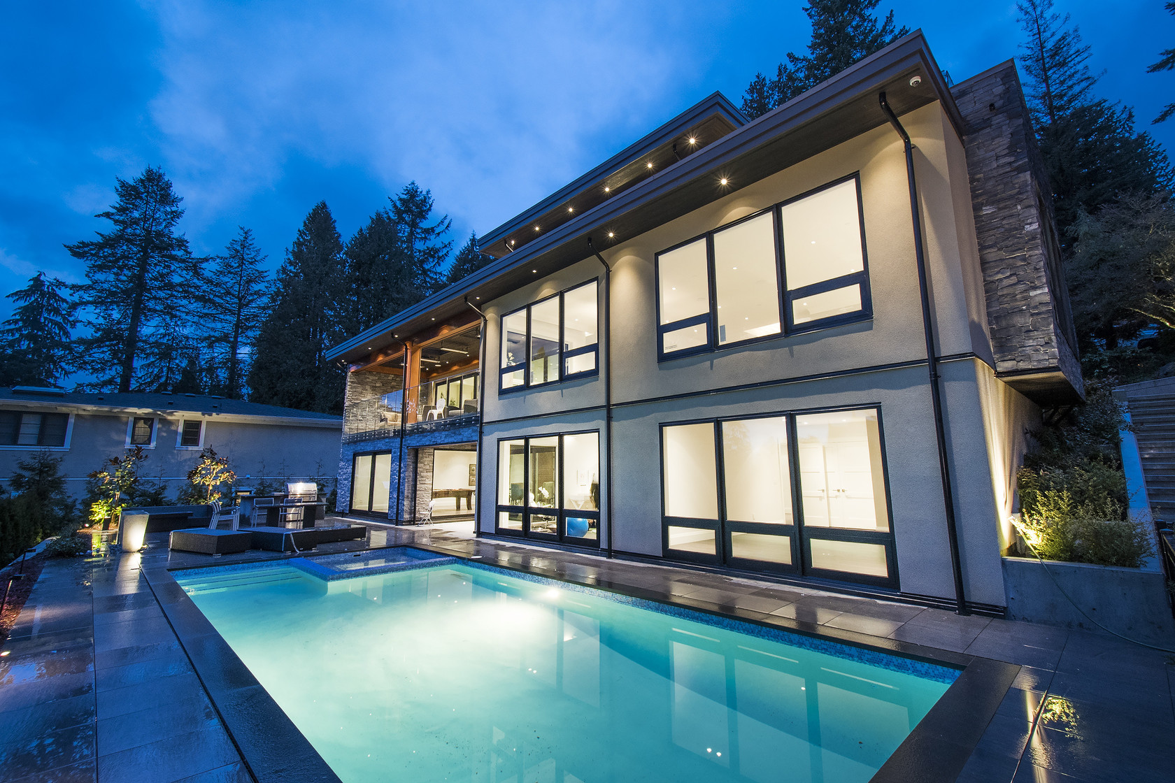 046 at 1677 29th Street, Altamont, West Vancouver