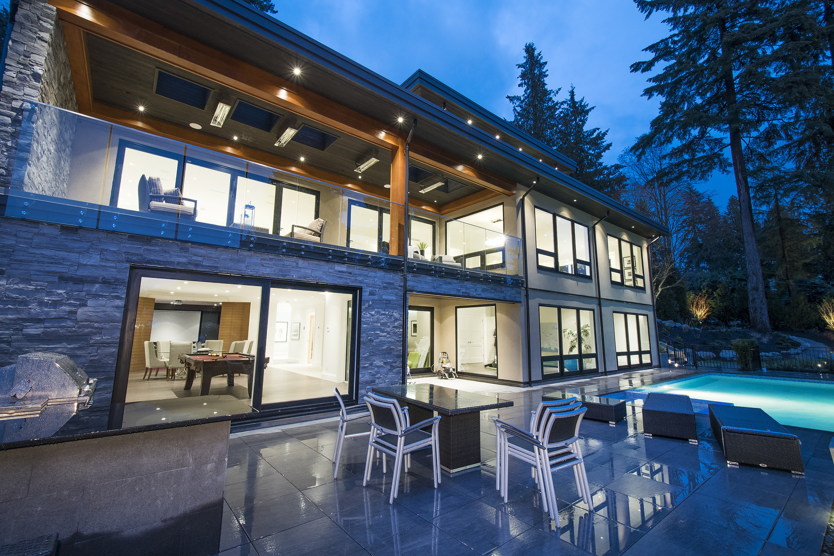 047 at 1677 29th Street, Altamont, West Vancouver