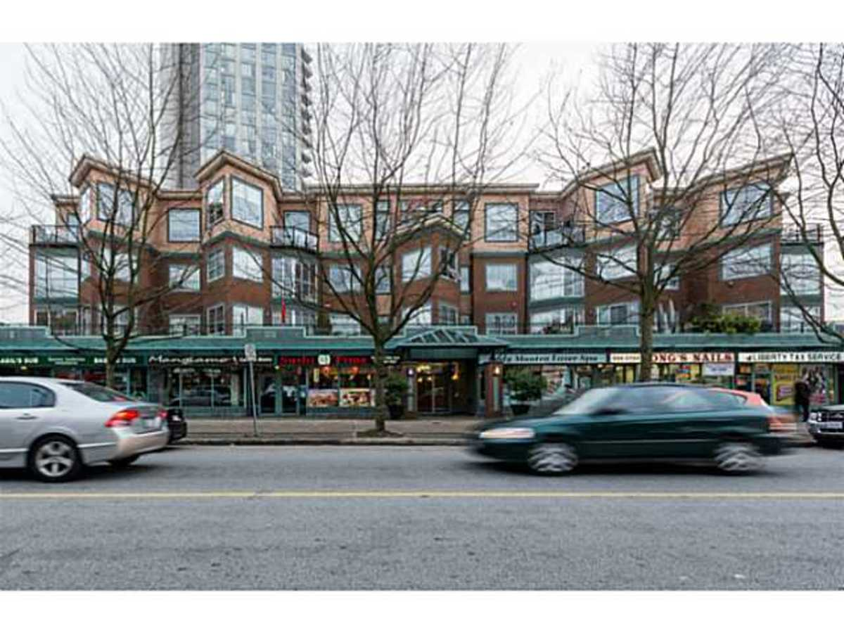 image-261382999-1.jpg at 101 - 131 West 3rd Street, Lower Lonsdale, North Vancouver