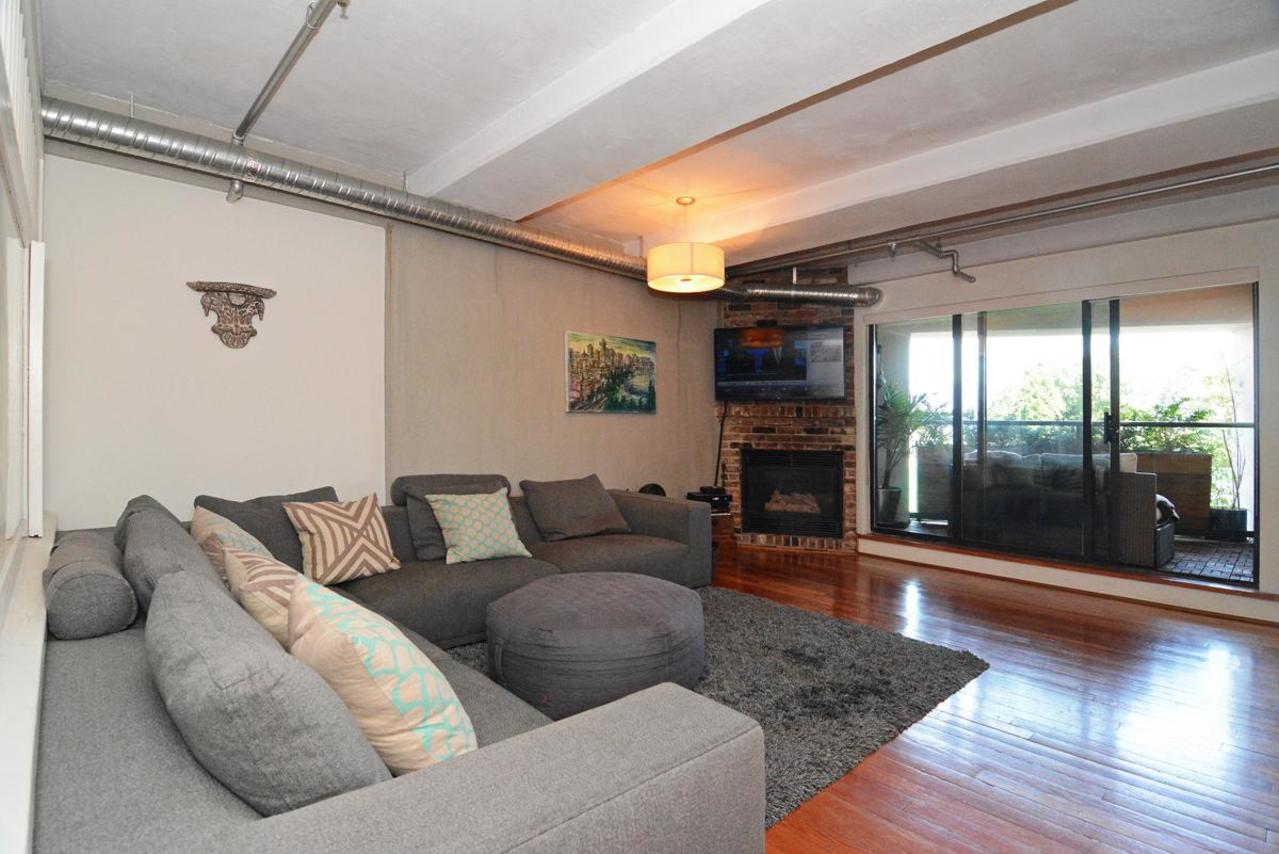 10 at 302 - 27 Alexander Street, Downtown VE, Vancouver East