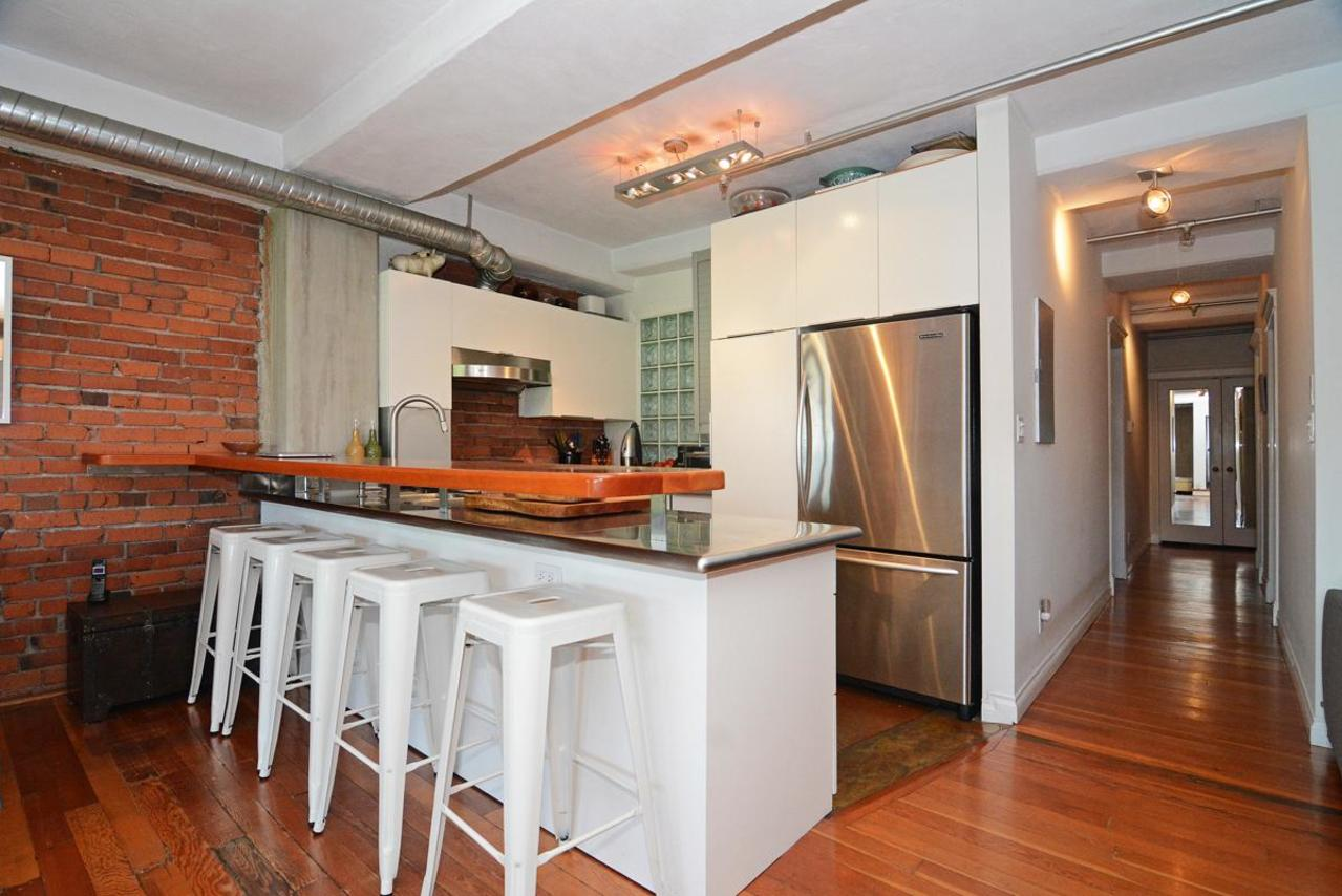 11 at 302 - 27 Alexander Street, Downtown VE, Vancouver East