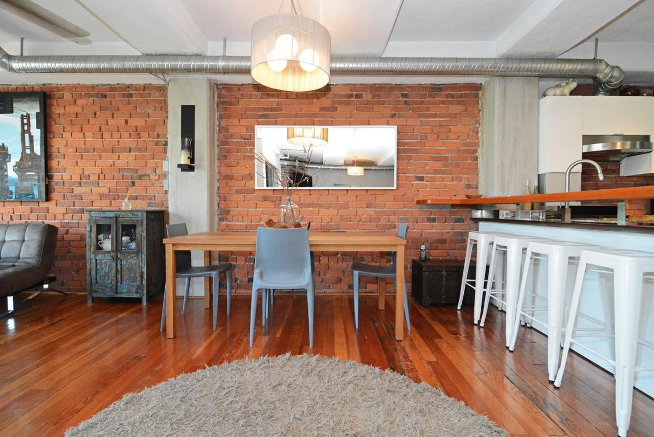 14 at 302 - 27 Alexander Street, Downtown VE, Vancouver East