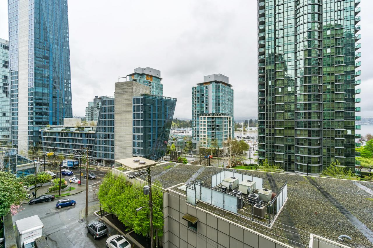 22 at 405 - 1333 W Georgia, Coal Harbour, Vancouver West
