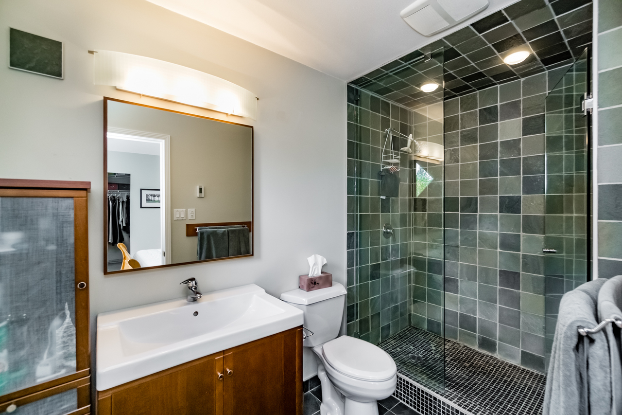 19 at 265 E 17th Street, Central Lonsdale, North Vancouver