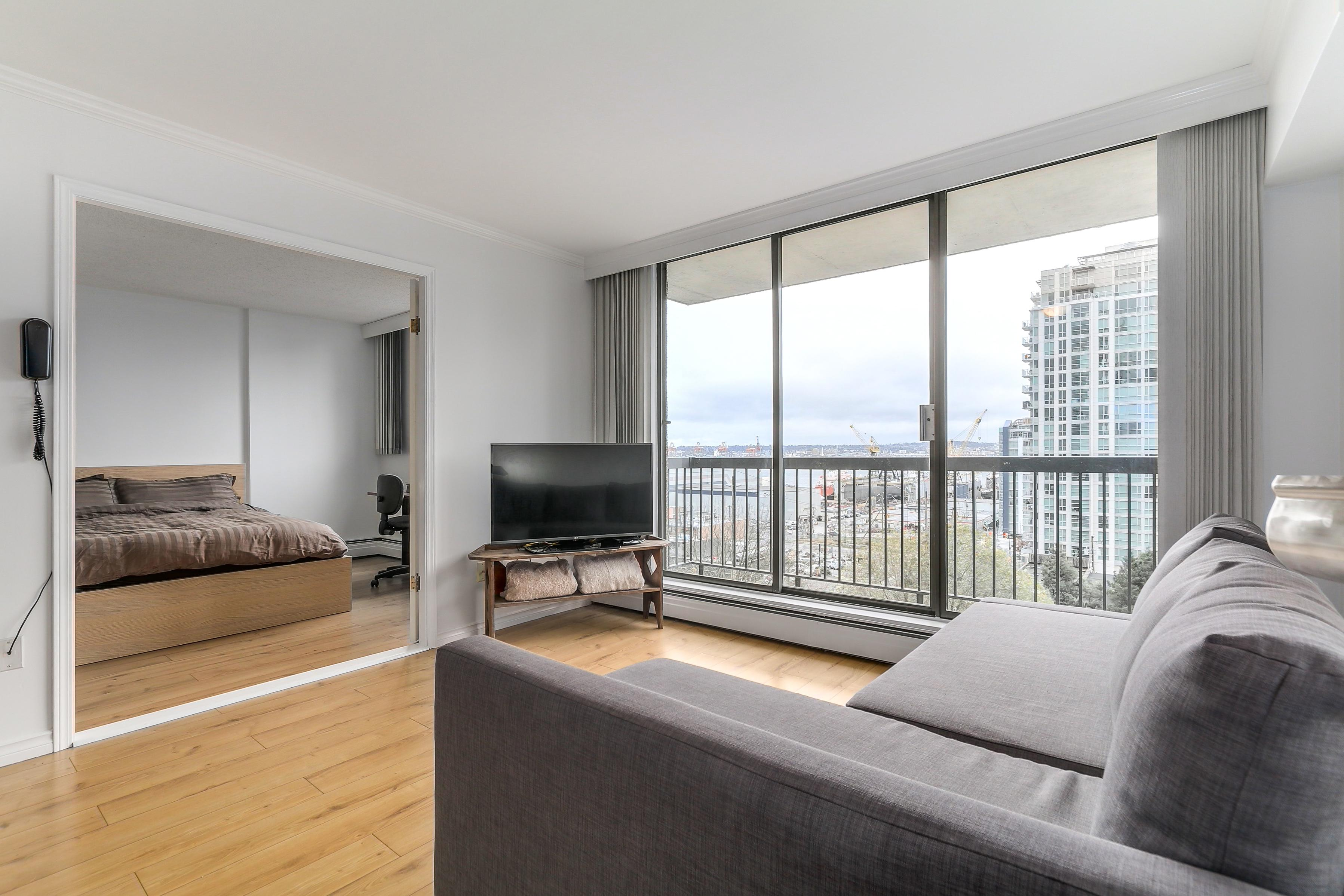 501 - 145 St. Avenue, Lower Lonsdale, North Vancouver