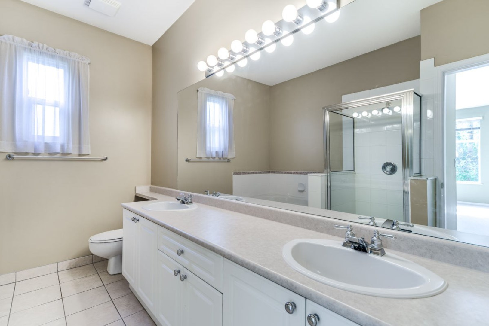 Master Bathroom at 19 - 20770 97b Avenue, Walnut Grove, Langley