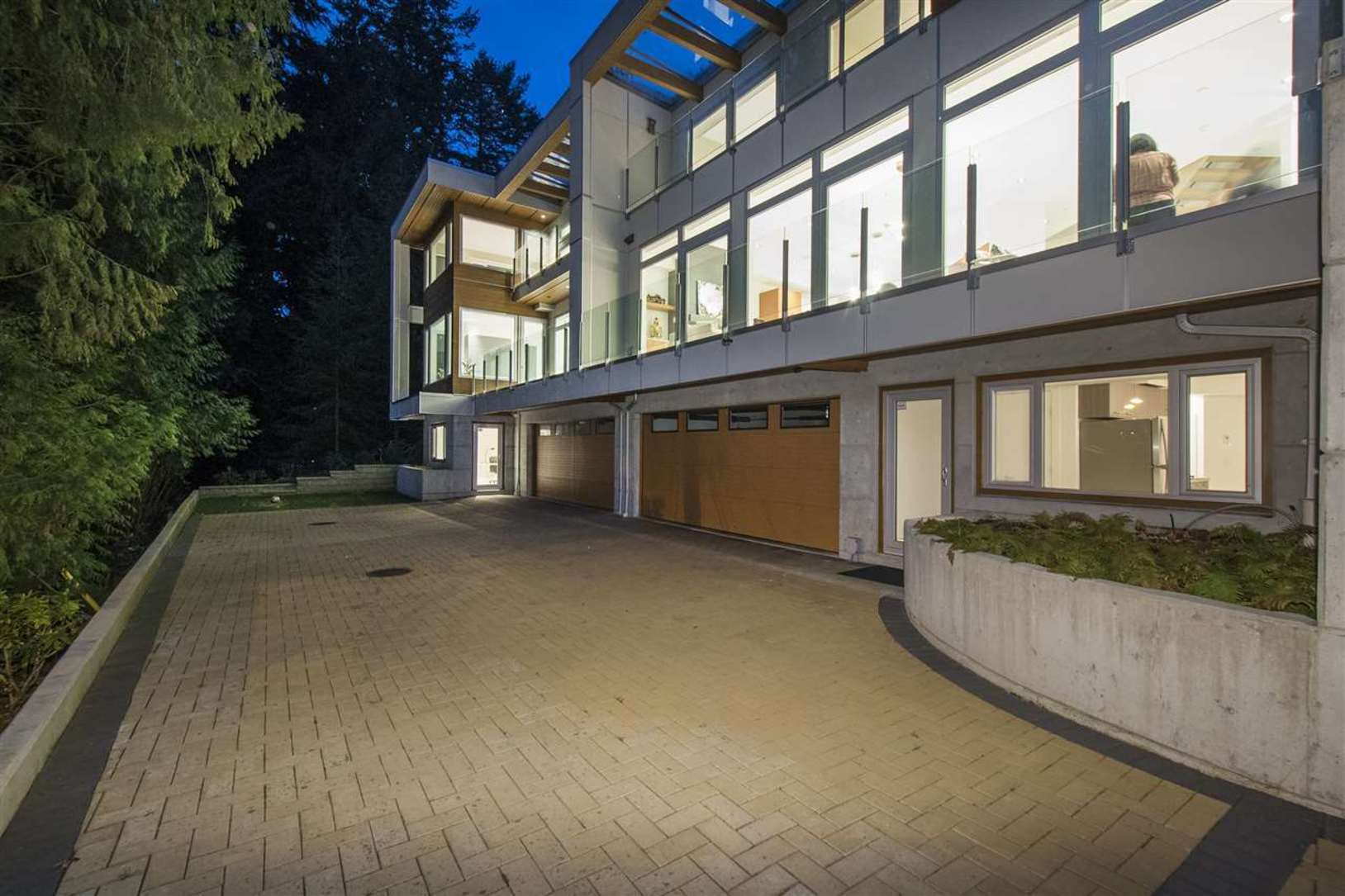 968-duchess-avenue-sentinel-hill-west-vancouver-09 at 968 Duchess Avenue, Sentinel Hill, West Vancouver