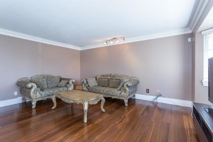 Family Room at 10 Simon Fraser Court, College Park PM, Port Moody