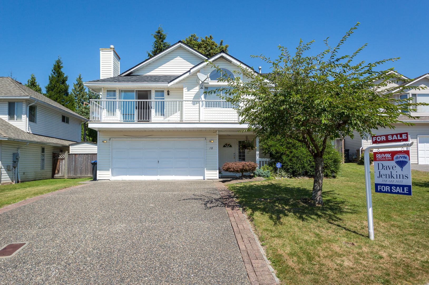 Front of house at 10 Simon Fraser Court, College Park PM, Port Moody
