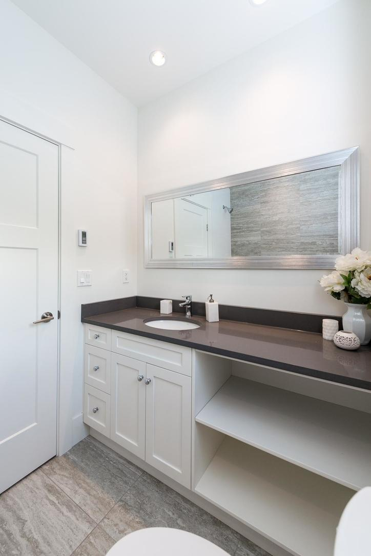 Bath at 87 - 3295 Sunnyside Road, Anmore, Port Moody