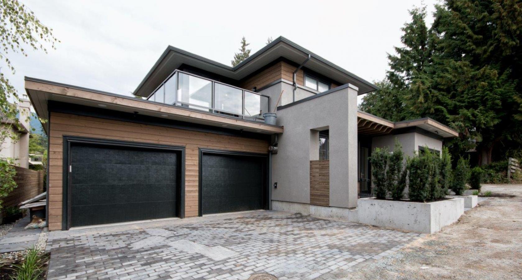 2066 Fulton Avenue, Ambleside, West Vancouver