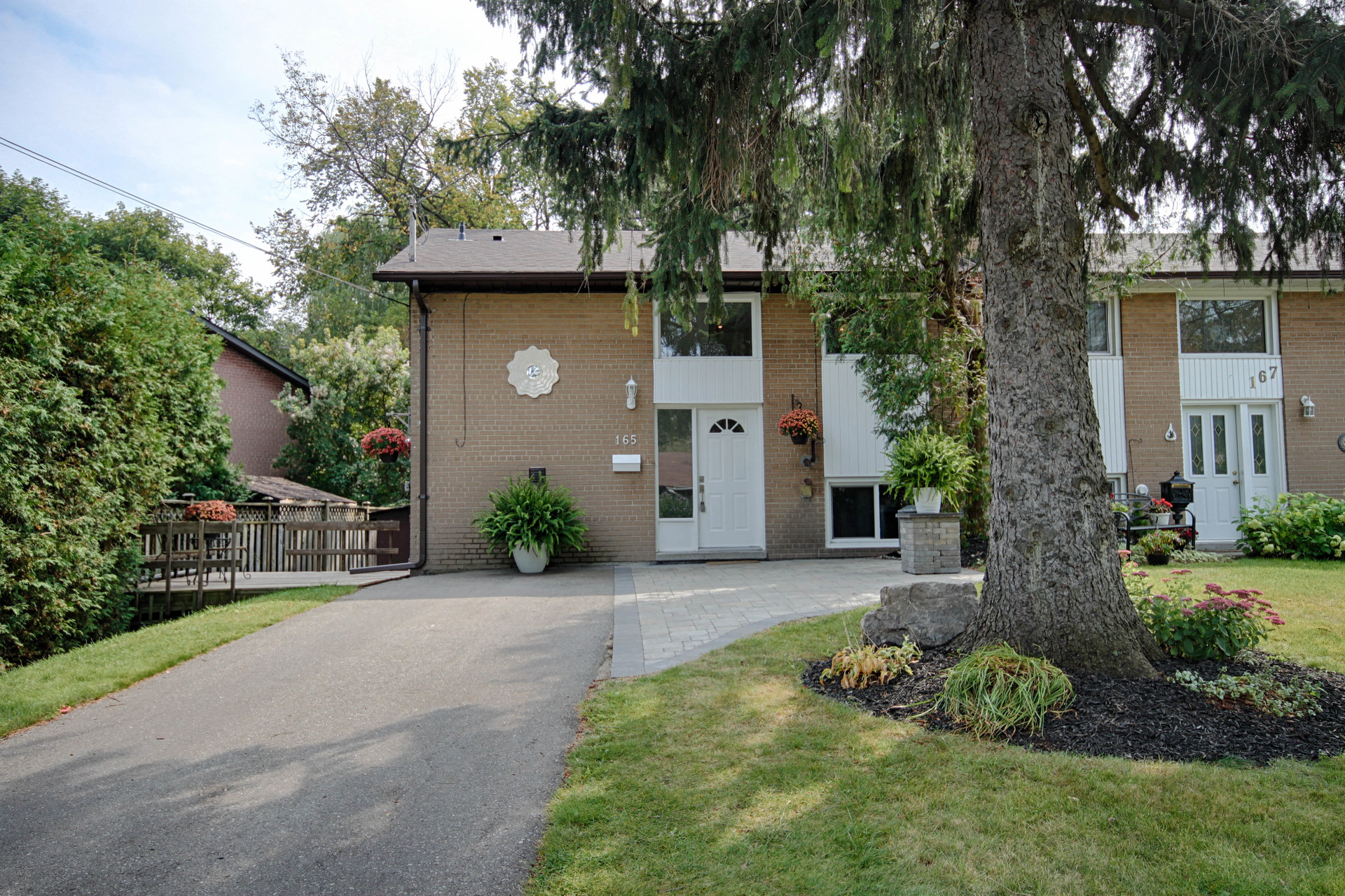 Front at 165 Three Valleys Drive, Parkwoods-Donalda, Toronto