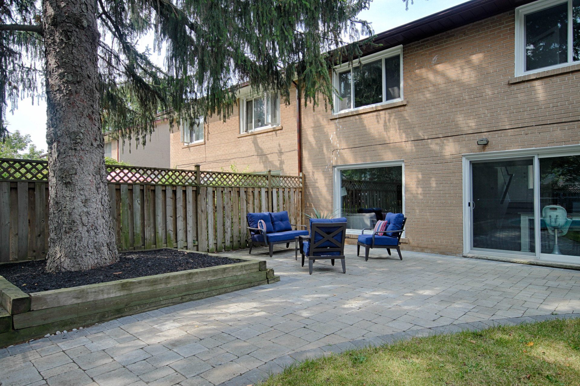 Backyard at 165 Three Valleys Drive, Parkwoods-Donalda, Toronto