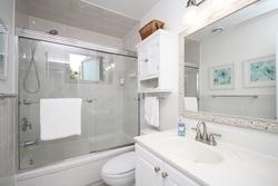 4 Piece Bathroom at 6 Stubbs Drive, St. Andrew-Windfields, Toronto