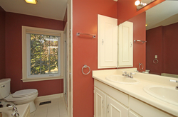 5 Piece Bathroom at 166 Underhill Drive, Parkwoods-Donalda, Toronto