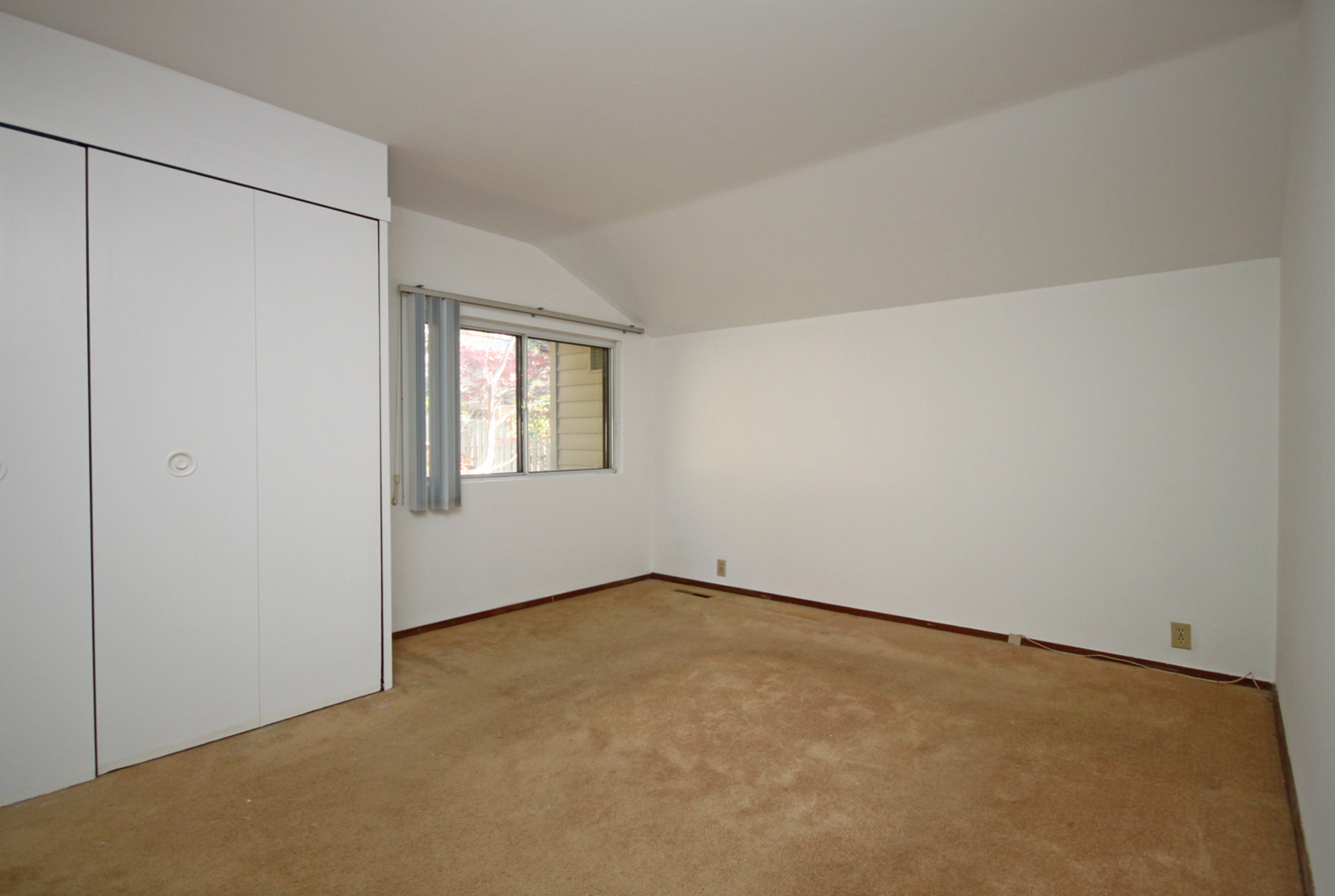 Master Bedroom at 21 Oakley Boulevard, Bendale, Toronto