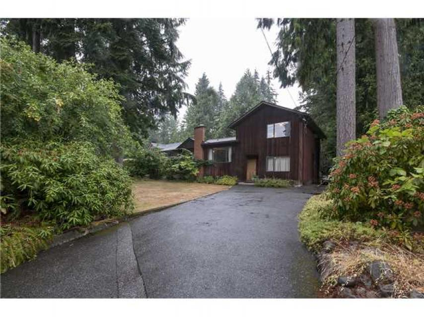 1090 Handsworth Road, Canyon Heights NV, North Vancouver
