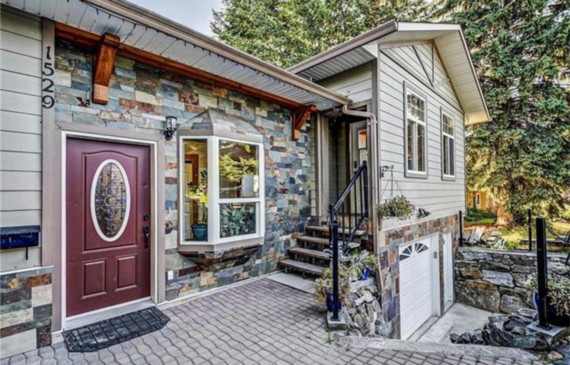 Glenmore Real Estate at 1529 Pinehurst Crescent, Kelowna, Central Okanagan