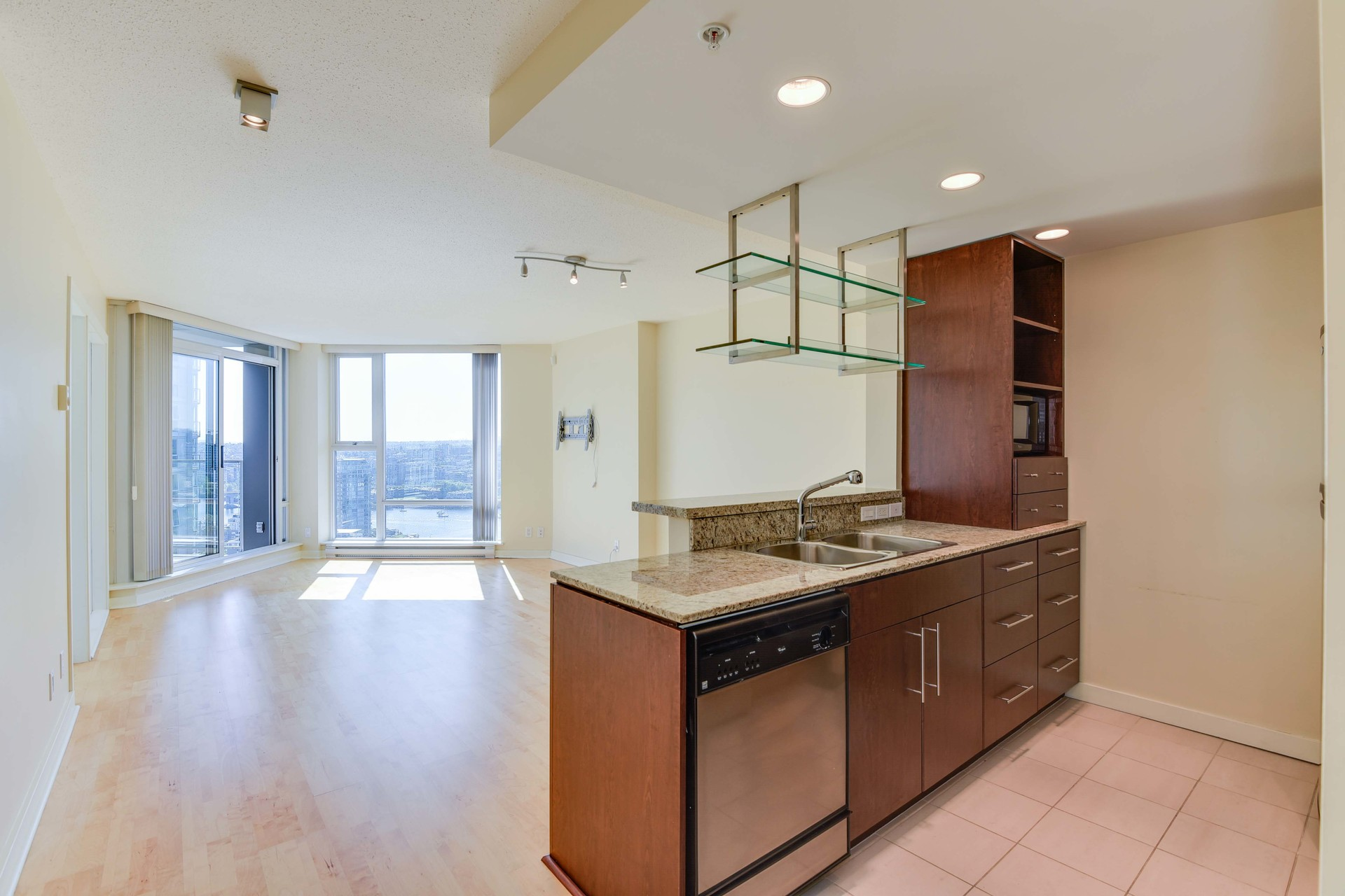 2-1-of-1 at 3007 - 455 Beach Crescent, Yaletown, Vancouver West