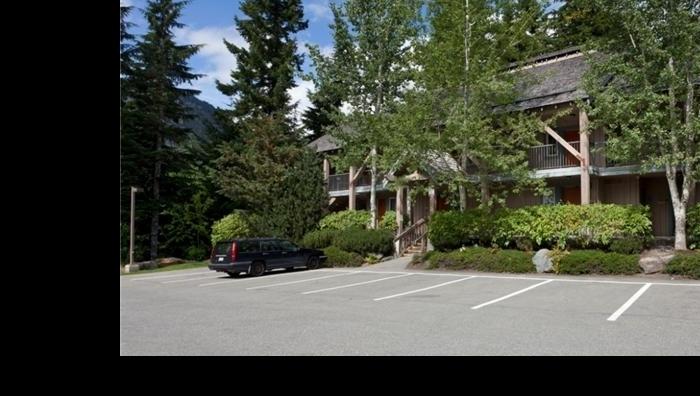 3070 Hillcrest Drive, Whistler
