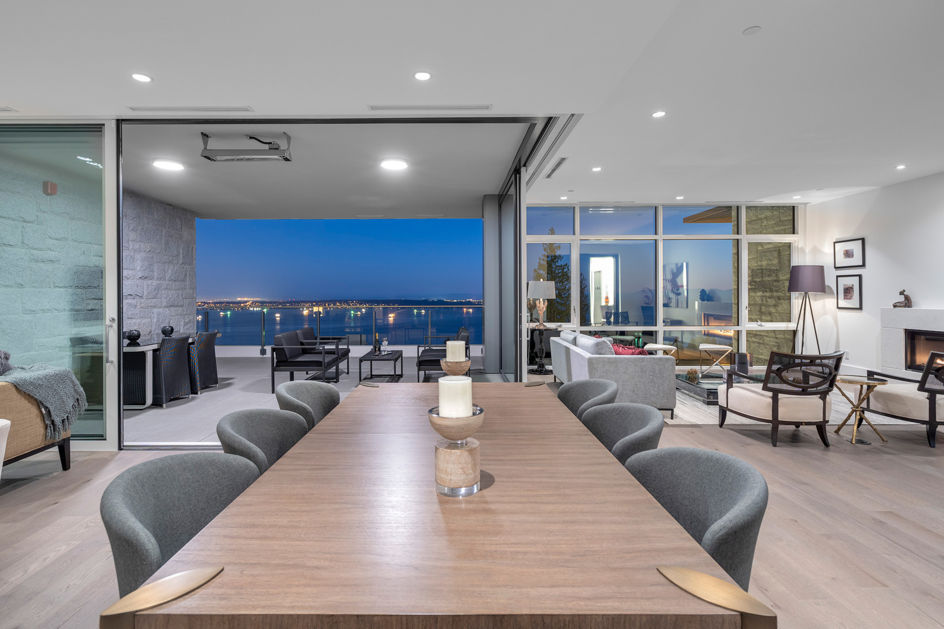 dining at 402 - 2958 Burfield Place, Cypress Park Estates, West Vancouver
