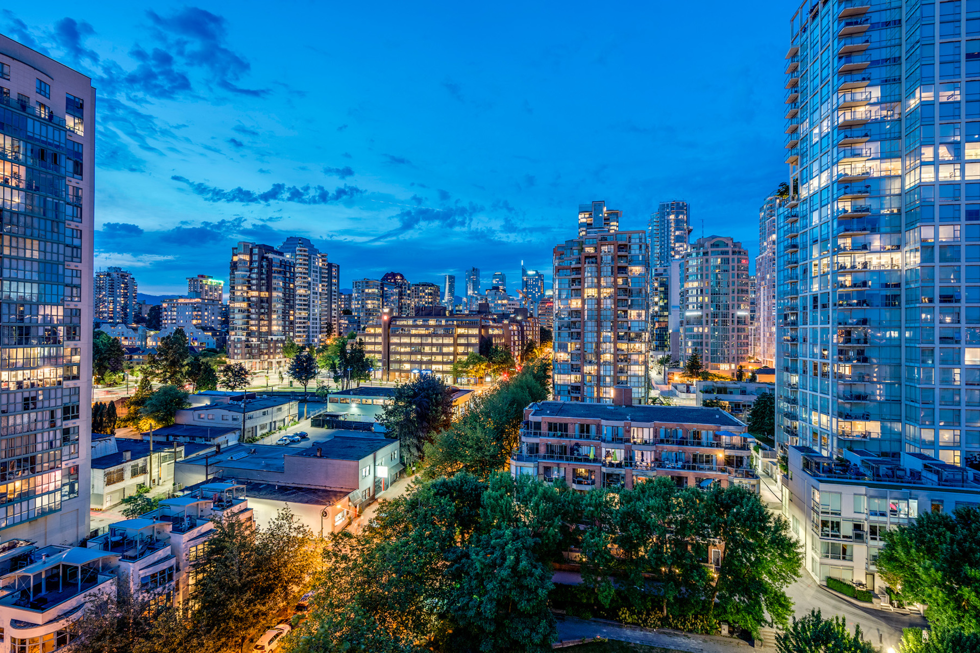 skyline at 2002 - 1500 Hornby, Yaletown, Vancouver West