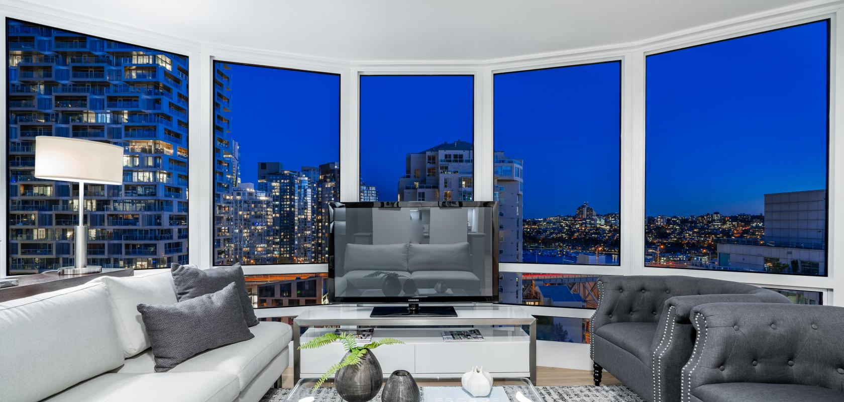 2002 - 1500 Hornby Street, Yaletown, Vancouver West