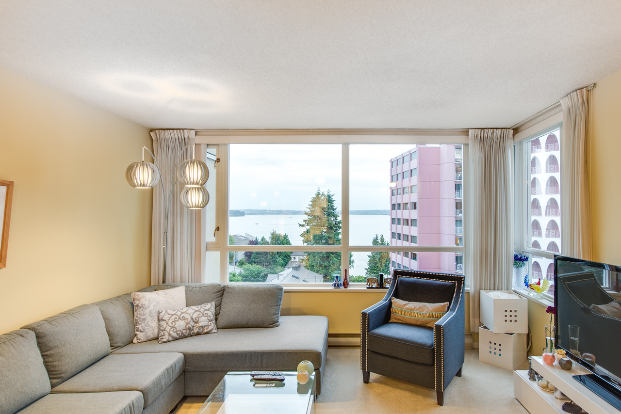 daytime-view at 802 - 2203 Bellevue, Dundarave, West Vancouver