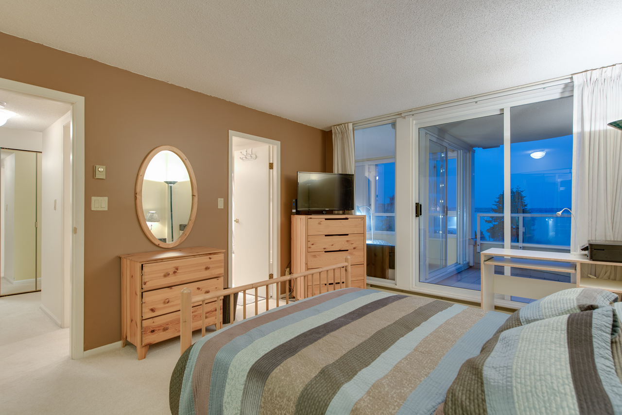 master-bdrm at 802 - 2203 Bellevue, Dundarave, West Vancouver