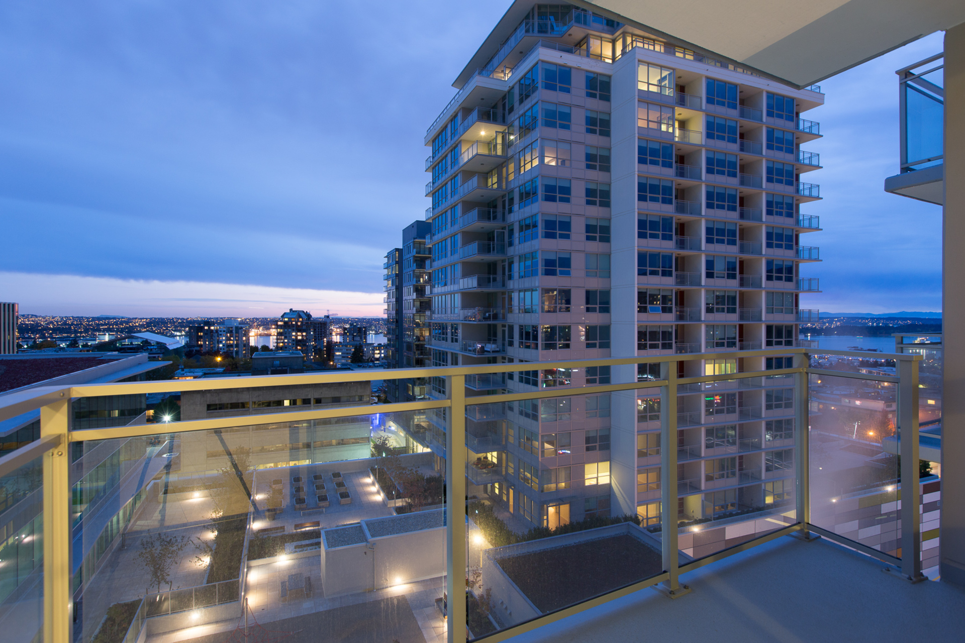 15 at 903 - 125 E 14th, Central Lonsdale, North Vancouver