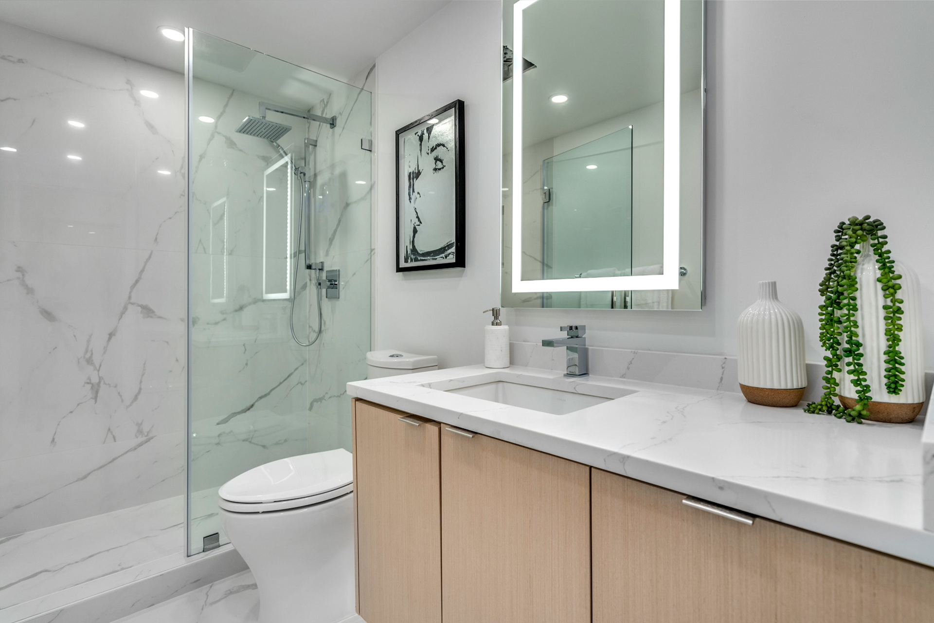 10 at 702 - 455 Beach, Yaletown, Vancouver West